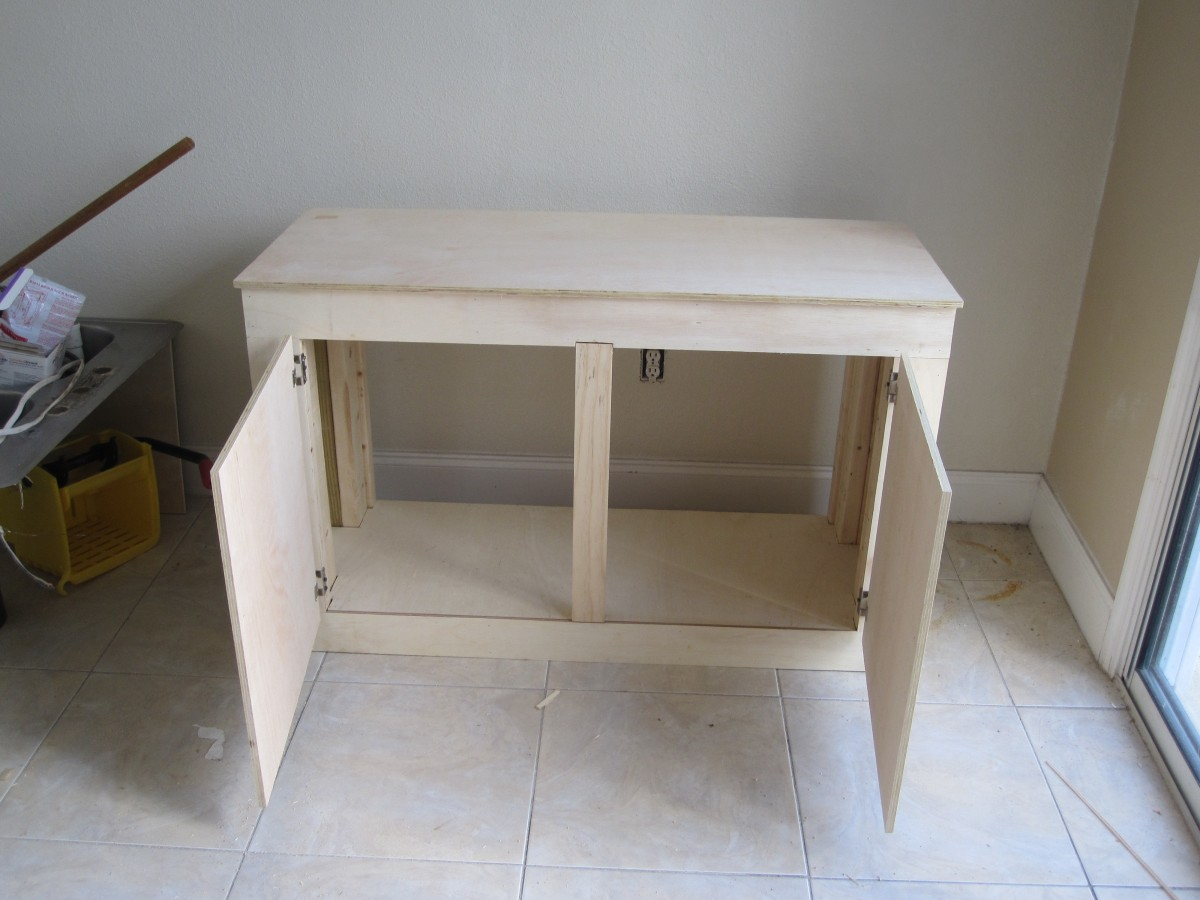 Build your own aquarium stand cflas for Building a fish tank stand